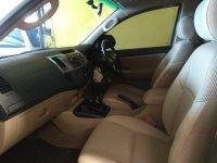 Toyota hilux 2.5 G D-4D Doubel Cabin 2013 (gallery_used-car-mobil123-toyota-hilux-g-d-4d-double-cabin-indonesia_9267454_Zc0QUU4EnueJXRdycvtHVO.jpg)