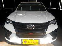 Jual Toyota Fortuner 2.4 VRZ TRD AT 2018 Diesel Putih