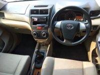 Toyota New Avanza E 1.300 cc Manual Tahun 2015 warna silver (ae.jpeg)