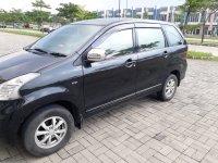 Toyota: Di Jual Mobil Avanza Hitam (mobil3.jpg)