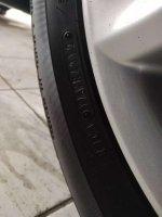 Toyota: Yaris E M/T 2012 Hitam (a9.jpg)
