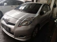 Toyota: Yaris S Limited A/T 2010 Silver (a1.jpg)
