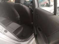 Toyota: Yaris S Limited A/T 2010 Silver (a5.jpg)
