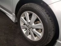 Toyota: Yaris S Limited A/T 2010 Silver (a8.jpg)
