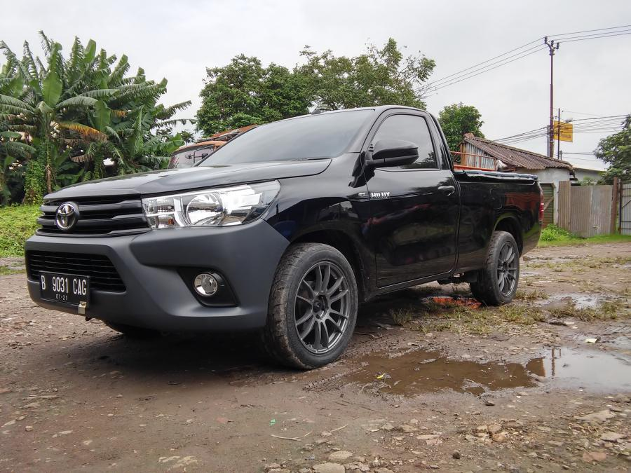 toyota hilux pick up single cabin tahun 2016 awal diesel. Black Bedroom Furniture Sets. Home Design Ideas