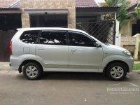 Toyota: Jual cepat avanza matic 2010
