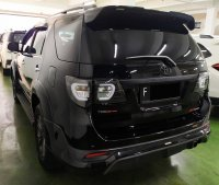 Toyota: FORTUNER TRD DIESEL AUTOMATIC BLACK 20175 SPECIAL CONDITION, KM 68000. (Fortuner_TRD_Diesel_Automatic_Black_2015_4.jpg)