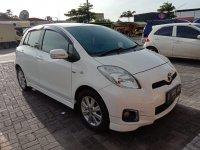 Toyota: yaris 2013 matic, mulus, tgn ke pertama, ex wanita (tampak samping kanan.jpg)