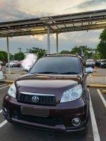 Jual Toyota Rush S AT merah marun 2011