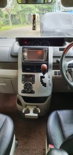 Toyota NAV1 2.0 V AT 2013 Istimewa (36fecfe5-9042-47d6-ba67-9bc3fd387200.jpg)