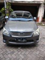 Dijual cepat Toyota Kijang Innova E 2.0 2012