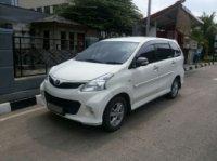 Dijual Mobil Toyota Avanza Veloz A/T 2012 (293311715_3_644x461_dijual-toyota-avanza-veloz-putih-15cc-at-2012-toyota_rev008.jpeg)