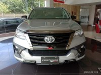 Toyota: Ready NEW FORTUNER 4x2 2.4 VRZ A/T DSL TRD Cash/Credit Free Antikarat (IMG_20200309_131838_compress30.jpg)