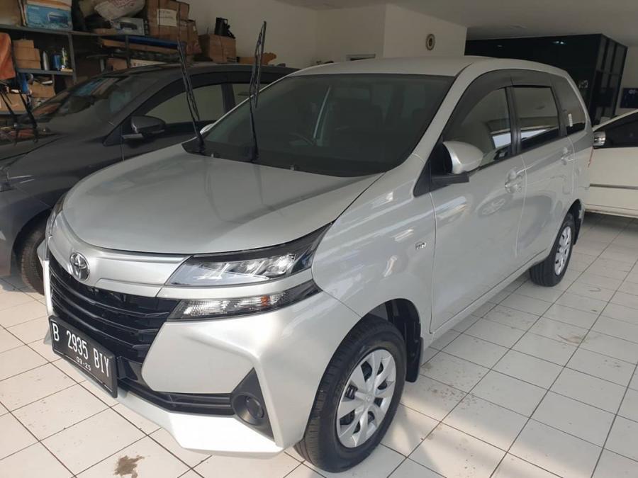 Di jaul mobil Toyota Avanza 1.3 E MT tahun 2019 ...
