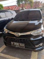 Toyota: Jual avanza veloz  km rendah , tdk ada PR