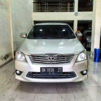 Toyota kijang Innova  2013 Silver (1.jpg)