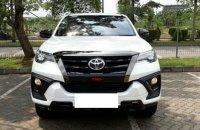 Toyota: Ready fortuner vrz trd terbatas (1600091701745.png)