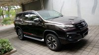 Toyota Fortuner VRZ 2017 LOW KM SEPERTI BARU (d0f22f49-3596-4093-b7d9-f07464ad4cc2.jpg)