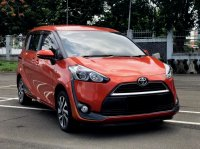 Jual TOYOTA SIENTA V AT ORANGE 2016