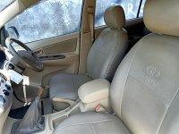 Toyota: Innova G Manual bensin th 2005 asli DK warna Light Green Metalik (3.jpg)