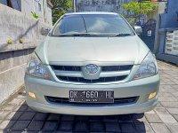 Toyota: Innova G Manual bensin th 2005 asli DK warna Light Green Metalik (2.jpg)