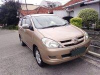 Toyota Innova tipe G 2.0 A/T  2005 bensin pemilik langsung (2.jpeg)