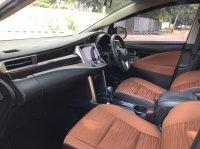 Toyota Kijang: INNOVA V AT DIESEL PUTIH 2020 (WhatsApp Image 2021-04-25 at 10.47.33 (1).jpeg)