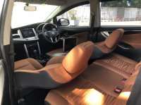 Toyota Kijang: INNOVA V AT DIESEL PUTIH 2020 (WhatsApp Image 2021-04-25 at 10.47.36 (1).jpeg)