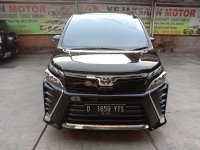Jual Toyota Voxy 2.0 cc Th'2017 Automatic