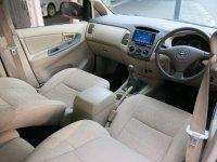 Toyota Kijang Innova G Bensin MT Manual 2004 (Toyota Kijang Innova G Bensin MT 2004 W1325VZ (5).JPG)