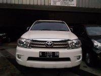 Toyota Fortuner Putih Matic 2.5G 2010 KM90Rb (P_20170327_144912_BF.jpg)