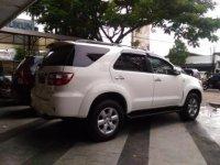 Toyota Fortuner Putih Matic 2.5G 2010 KM90Rb (P_20170327_144942_BF.jpg)