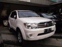 Toyota Fortuner Putih Matic 2.5G 2010 KM90Rb (P_20170327_144922_BF.jpg)