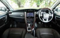 FORTUNER 4X2 2.4 VRZ BLACK (toyota-all-new-fortuner-vrz-interior2.jpg)