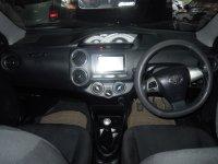 Toyota: Etios Valco G'14 MT Wrna Favorit Putih L. TouchSreen Mobil SGT Terawa (DSCN7176.JPG)