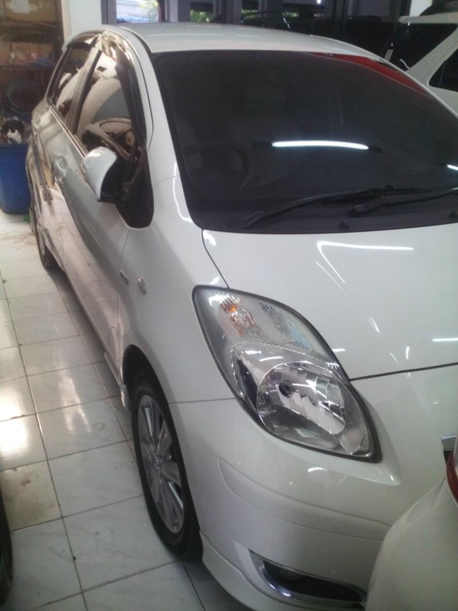Toyota YARIS E 2011 manual putih.bisa kredit dan TT ...