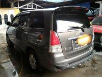 DI JUAL Toyota Innova V Luxury bensin Automatic Tahun 2010 Abu abu tua