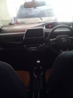 Toyota SIENTA V 2016 putih.KM 2600 (Sienta'16 kabin.jpg)