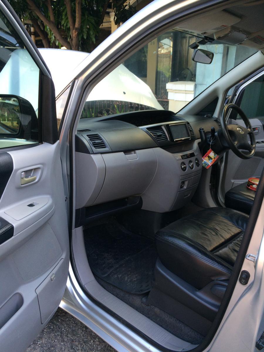 For Sale : Mobil Toyota Voxy - MobilBekas.com