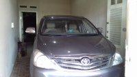 Toyota: Dijual Mobil Kijang Innova 2010
