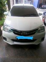 Toyota: Mobil Etios Type G Manual 2016 (FullSizeRender (2).jpg)