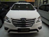 Toyota: Innova V'2014 Bensin Putih