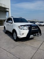 Toyota fortuner diesel trd sportivo matic 2011 putih low km (IMG20170917153258.jpg)