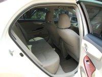 TOYOTA ALTIS G AT Facelift 2011/2010 Putih Tgn 1 Pribadi (Jok Belakang.jpg)
