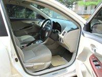TOYOTA ALTIS G AT Facelift 2011/2010 Putih Tgn 1 Pribadi (Jok Depan Supir.jpg)