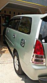 Toyota: Kijang Innova Tipe V 2005 Manual (PicsArt_10-21-01.03.20.jpg)