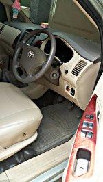 Toyota: Kijang Innova Tipe V 2005 Manual (PicsArt_10-21-01.09.36.jpg)