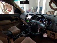 Toyota Fortuner G TRD MT VNT Diesel 2014 (Interior.jpg)