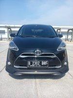 Jual Toyota sienta Q matic 2017 hitam km 14 rban 08161129584