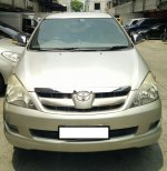 Toyota Kijang Innova V (WhatsApp Image 2017-10-25 at 12.16.25.jpeg)